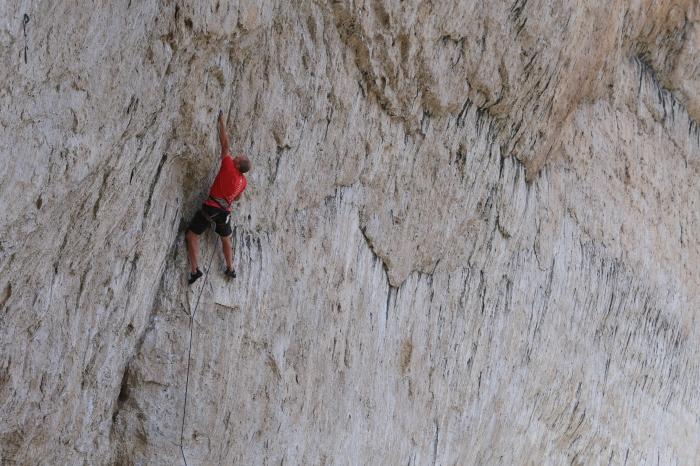 Steve Bechtel climbing on Remus, 13b.