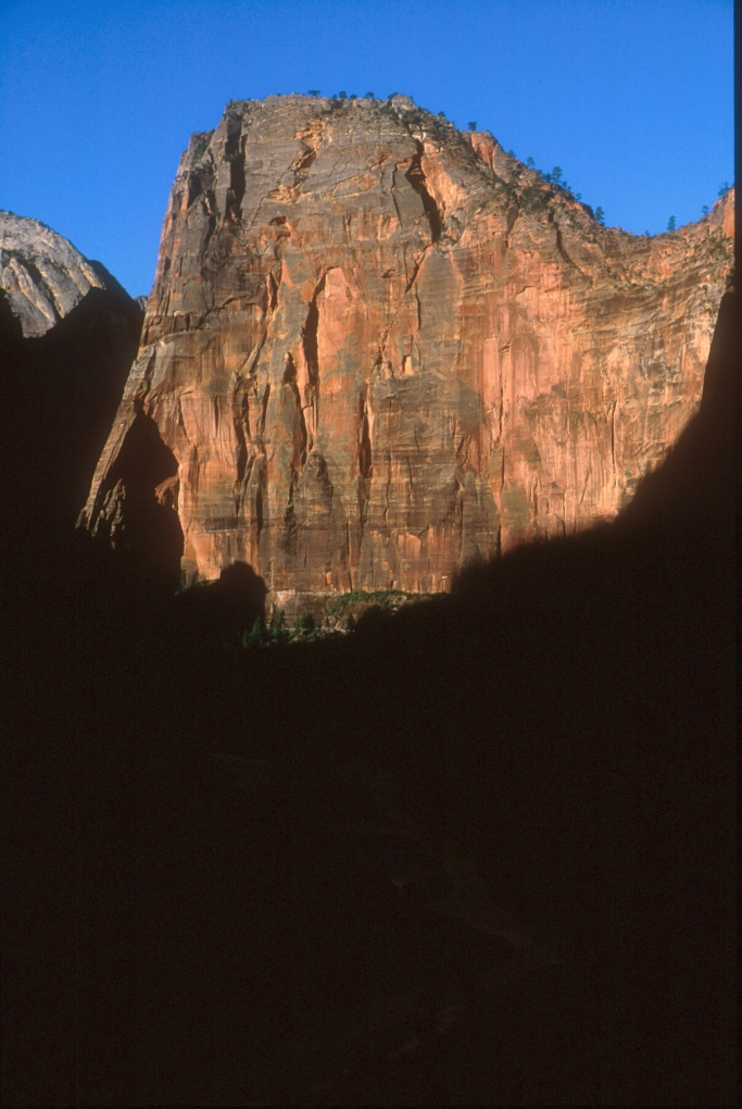 The dramatic North Face of Angel's Landing